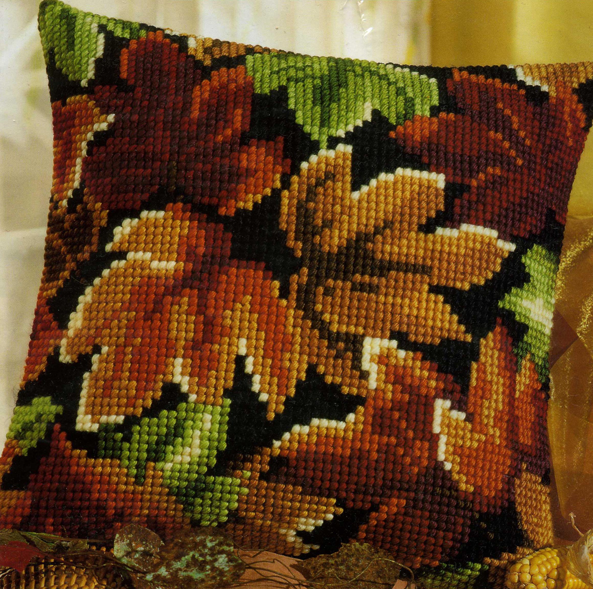 Осенние листья вышивка подушка 29